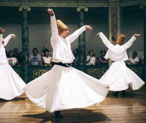 不是舞蹈而是修行 土耳其旋轉舞(Mevlevî Sema Töreni)