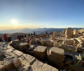 土耳其東南部世界遺產第一奇景:內姆魯特山(Nemrut Dağı)