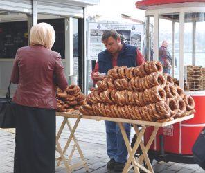 【文化】土耳其街頭小食-芝麻圈 simit