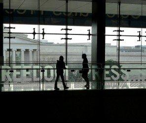土發行量最大《時代報》遭政府接管引發警民衝突(03.07)