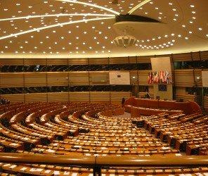 歐洲議會警告土耳其的民主正在倒退(04.15)