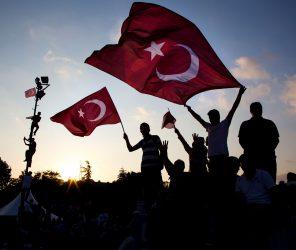 不僅止於文字翻譯 解讀土耳其社會語言《我的國家:土耳其的憂鬱與瘋狂》