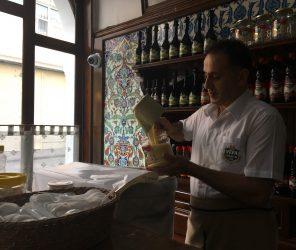 「液態麵包」之稱的冬季能量飲-波雜(Boza)