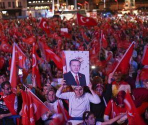 4月16日 土耳其憲改公投日