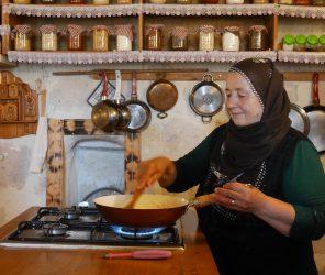 【卡帕多奇亞】超暖土耳其家常菜:地方媽媽廚藝教室