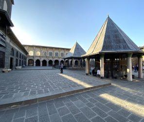 【土耳其東南部】安納托利亞最古老的清真寺:迪亞巴克爾烏魯清真寺(Diyarbakır Ulu Camii)