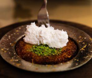 偽裝米粉的傳統甜點兄弟:卡達耶夫(kadayıf)、庫內費(künefe)